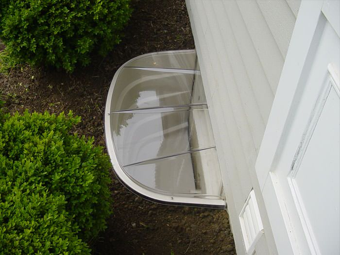 Exceptional Basement Wells Part - 6: ... Covered Plastic Basement Window Well System ...